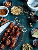 Готовим со специями. 100 рецептов смесей, маринадов и соусов со всего мира — фото, картинка — 2